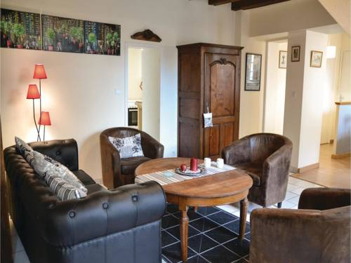 Studio Holiday Home in Loches : Hebergement proche de Betz-le-Château
