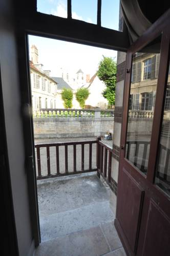 Hotel bourges r servation h tels bourges 18000 for Appart hotel a bourges