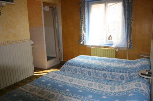 Hotel saint luperce r servation h tels saint luperce 28190 for Chambre kangourou