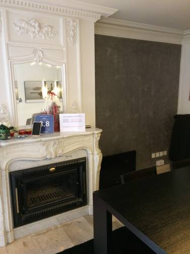 Hotel villeneuve le roi r servation h tels villeneuve le for Salon 500 orly