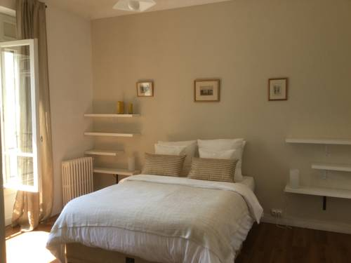 Boulevard d'Aragon Apartment : Appartement proche de Pau