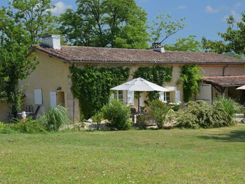 Holiday Home Castil : Hebergement proche de Saint-Paul-de-Baïse