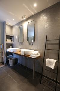 Chambres d'hotes/B&B Chambres D´Hotes Herbes Folles : Grande Chambre Double