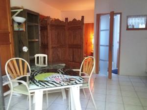 Appartement Studio Grotte des fees : photos des chambres