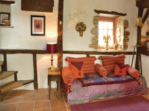 Hebergement One-Bedroom Holiday Home in St Marie du Bois : photos des chambres