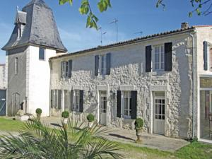 Hebergement Holiday Home Beurlay Rue Rene Caille : Maison de Vacances 2 Chambres