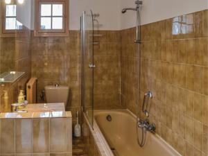 Hebergement Five-Bedroom Holiday Home in Saint-Jeannet : photos des chambres