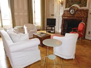 Appartement Four-Bedroom Apartment in Ocquerre : photos des chambres