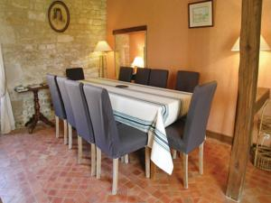 Hebergement Holiday Home Coulonges sur L'Autize 08 : photos des chambres