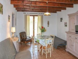 Hebergement Holiday home St. Julien de Peyrolas OP-1316 : photos des chambres
