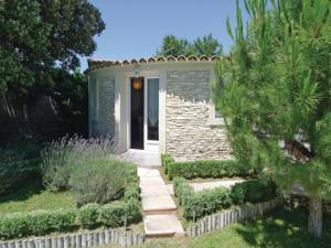 Hebergement Holiday Home Lirac Chemin Des Carrieres : photos des chambres