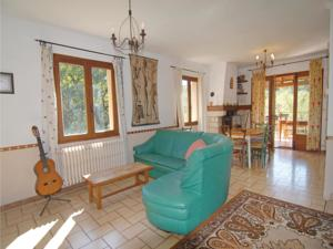 Hebergement Holiday Home Senechas with a Fireplace 05 : photos des chambres