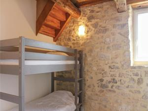 Hebergement Two-Bedroom Holiday Home in Barjac : photos des chambres