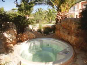 Hebergement Five-Bedroom Holiday Home in Cers : Maison de Vacances 5 Chambres