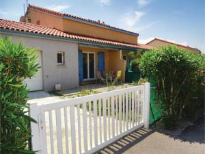 Hebergement Three-Bedroom Holiday Home in Torreilles - Plage : Maison de Vacances 2 Chambres