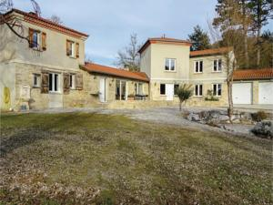 Hebergement Four-Bedroom Holiday Home in Malegoude : Maison de Vacances 4 Chambres