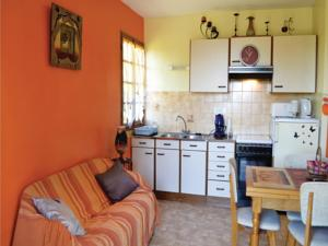 Hebergement Two-Bedroom Holiday Home in St. Bressou : photos des chambres