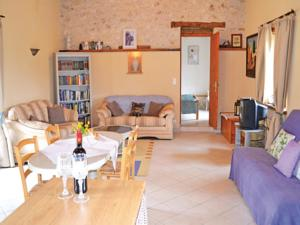 Hebergement One-Bedroom Holiday Home in Valeilles : Maison de Vacances 1 Chambre