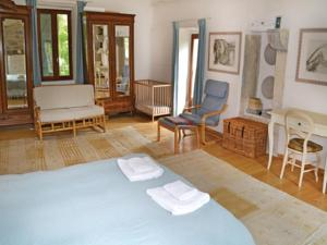 Hebergement Holiday home Caylus 16 : photos des chambres
