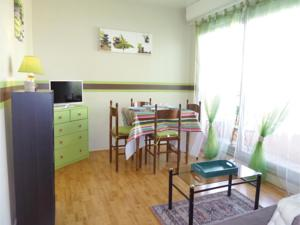 Appartement One-Bedroom Apartment in Grandcamp-Maisy : photos des chambres