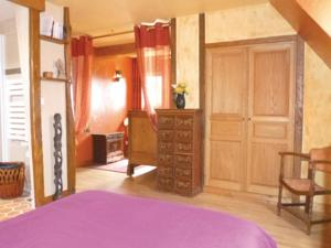 Hebergement Holiday home Breux-Sur-Avre with a Fireplace 411 : photos des chambres