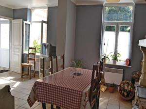 Hebergement Holiday Home Bouber Sur Canche Bis Place General De Gaulle : photos des chambres