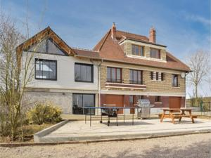Hebergement Four-Bedroom Holiday Home in Villers-Sous-Foucarmo. : Maison de Vacances 4 Chambres