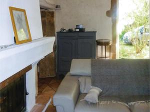 Hebergement Four-Bedroom Holiday Home in Rochegude : photos des chambres