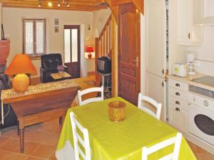 Hebergement Two-Bedroom Holiday Home in St. Fortunat s Eyrieux : Maison de Vacances 2 Chambres