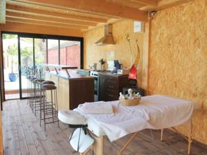 Hebergement Holiday home Saint Jean de Moirans with Sauna 435 : photos des chambres