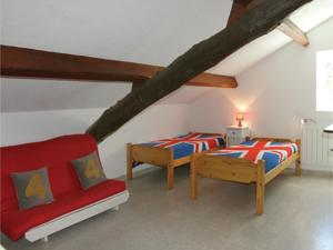 Hebergement Two-Bedroom Holiday Home in Vals les Bains : photos des chambres