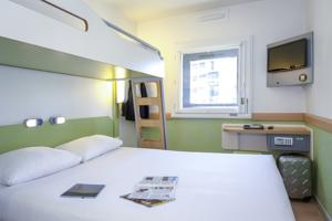 Hotel ibis budget Agen : Chambre Triple (2 Adultes)