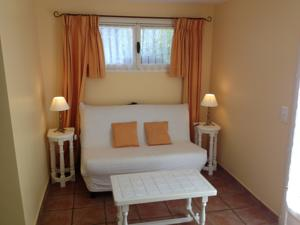 Chambres d'hotes/B&B B&B with charm, quiet, kitchen, sw pool. : Suite avec Terrasse