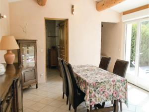 Hebergement One-Bedroom Holiday Home in Caderousse : Maison de Vacances 1 Chambre