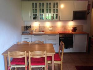 Appartement Apartment Pernant : photos des chambres
