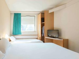 Hotel ibis Lyon Caluire Cite Internationale : Chambre Double avec 1 Lit Double et 1 Lit Simple