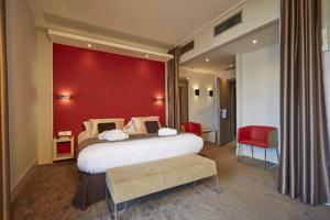 Kyriad Prestige Lyon Est - Saint Priest Eurexpo Hotel and SPA : Chambre Double