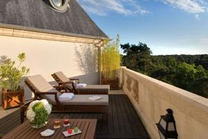Tiara Chateau Hotel Mont Royal Chantilly : Suite avec Terrasse