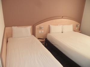 Hotel Akena City : Chambre Triple