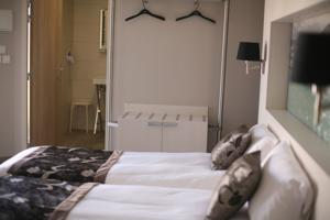 Hotel The Originals Montbeliard Sud Charme Hotel et Spa (ex Inter-Hotel) : photos des chambres