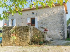 Hebergement Holiday home Montcabrier : photos des chambres