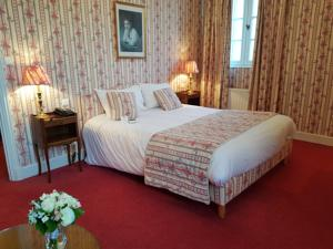 Hotel Chateau de Gilly : Chambre Traditionnelle