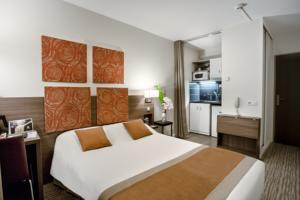 Kyriad Chambery Centre - Hotel et Residence : Chambre Double Standard