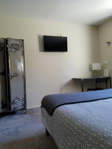 Chambres d'hotes/B&B L'Oustaou : Chambre Double
