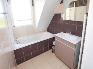 Appartement Studio Apartment in St. Arnoult : Appartement 2 Chambres
