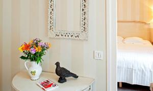 Hotel The Originals Paray-le-Monial Hostellerie des Trois Pigeons (ex Inter-Hotel) : Suite Junior (3 Adultes)