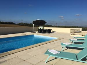 Hebergement Holiday Home Near Monsegur : Maison 3 Chambres