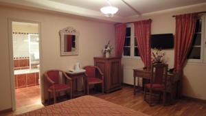 Chambres d'hotes/B&B Chambres d'Hotes - Domaine de Combe Ramond : Chambre Double Confort