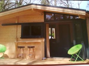 Hebergement Camping Le Champ Long : Chalet 2 Chambres