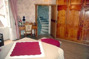 Chambres d'hotes/B&B Le Puits Fortifie : Chambre Triple